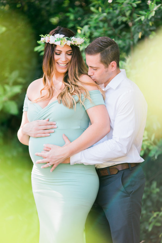 A summertime, garden maternity session in Winter Park, Florida | Mead Gardens